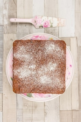 date and almond cake recipe